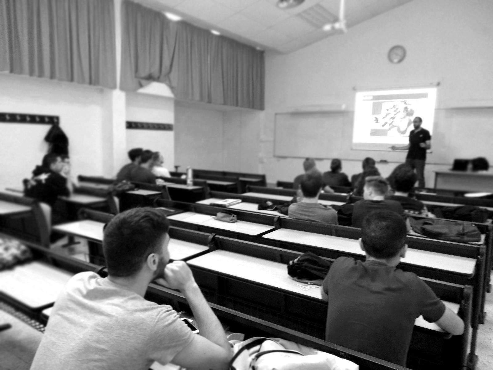 ib-red colabora con las charlas motivacionales organizadas por la UIB