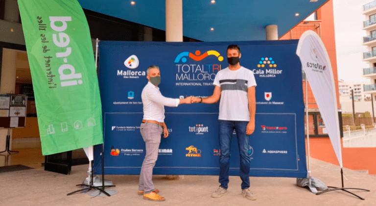 La TotalTriMallorca se retransmite en directo por todo el mundo por la conexión a internet de ib-red